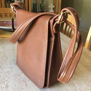 EUC🌹COACH Gorgeous Leather & Suede Messenger Bag!